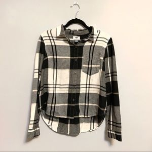 Cropped Hi Lo Flannel Medium Old Navy Black White